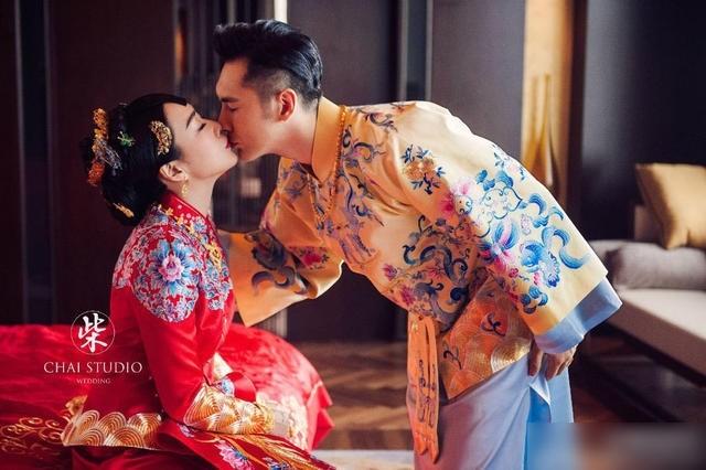钟丽缇张伦硕中式婚纱照