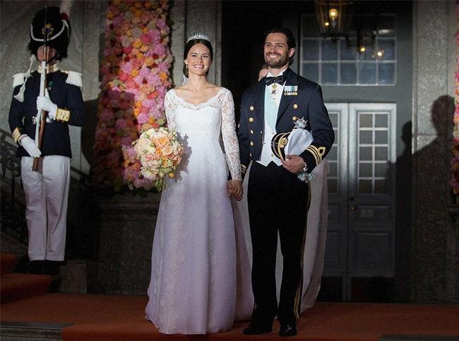 """现实版""""灰姑娘""""!瑞典王子迎娶比基尼女模"""