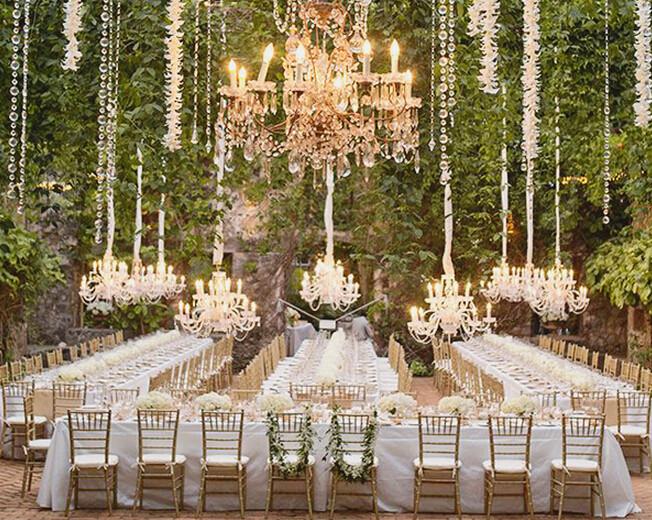 春季浪漫户外婚礼布置