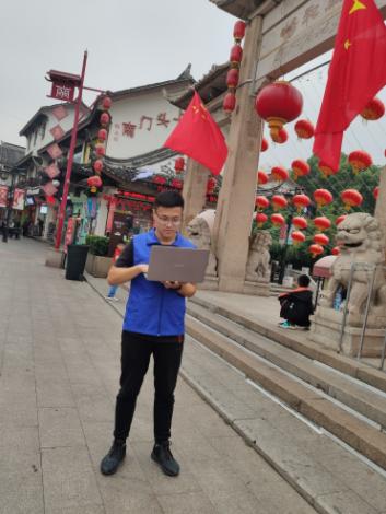 无锡-网络维护成员在江南古运河夜游景区监测调试20191008.JPG
